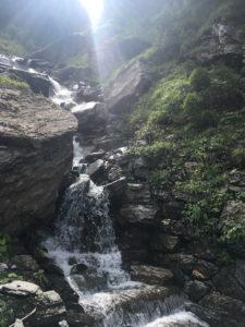 Read more about the article Die Wasserfälle von gegenüber
