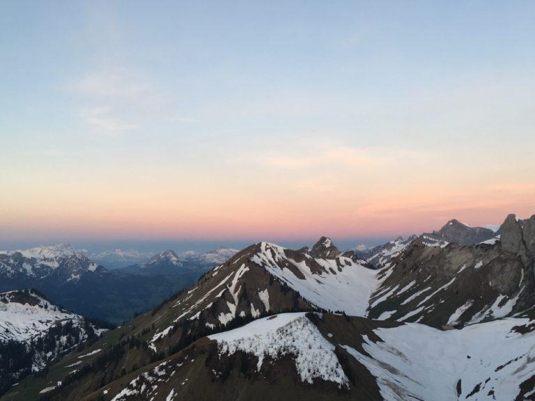 Sonnenaufgang auf dem Grat des Amelier, Foto: Sabine Reber